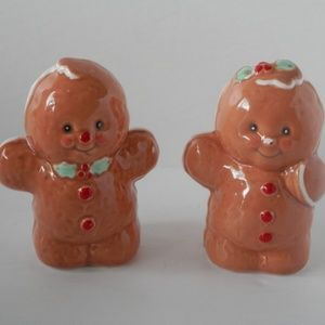 """Other - Gingerbread Men Salt and Pepper Shakers 3"""" Tall"""
